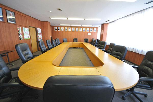 2階 会議室 (定数:20)